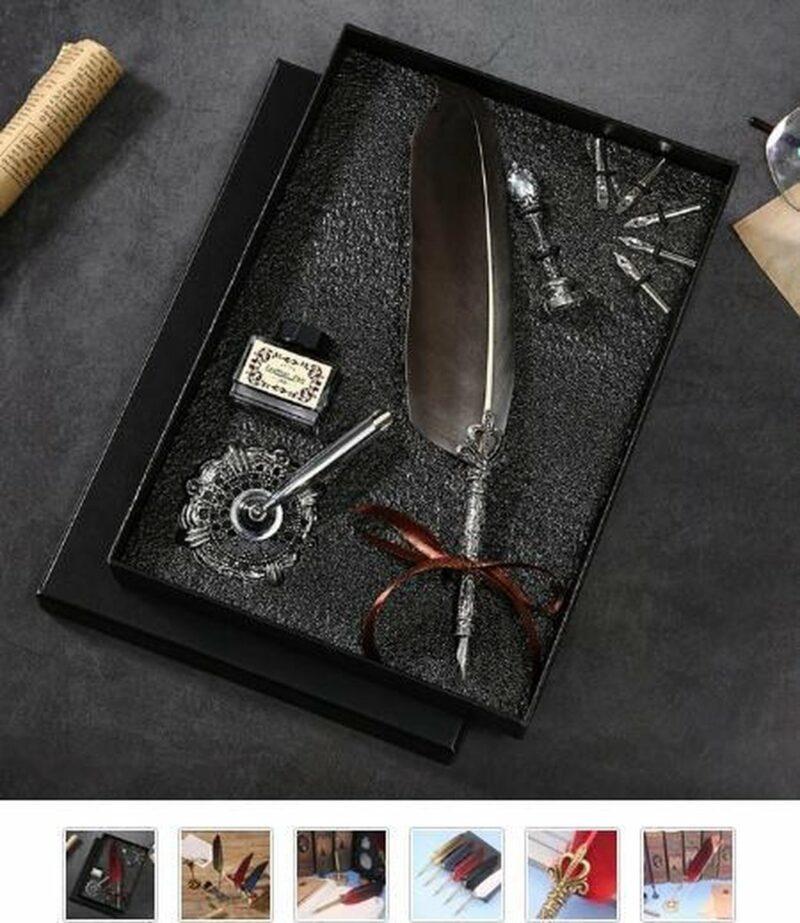 Geschenkdoos The Writing Collection met kalligrafeer veer, 5 kroontjes, inktpot, wax, veerhouder en wax stempel.