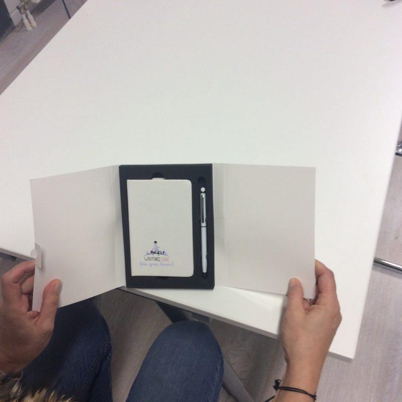 Geschenkdoos notitieboekje en touchscreen pen