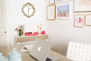 Work it girl! Functioneel kantoor decor.
